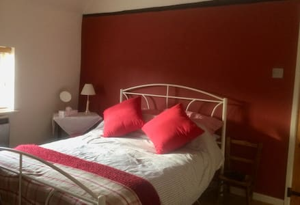 Cosy Village Cottage 15 minutes from Stevenage - Weston - บ้าน