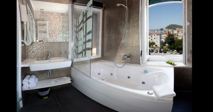 Sea View Deluxe Spa room / jacuzzi tub for 2 ☆☆☆☆