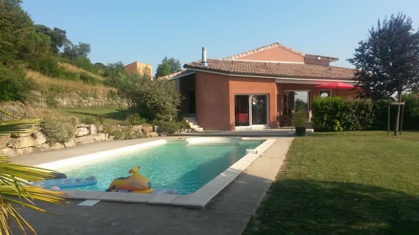 Chambre  20m²  dans belle Villa - Montjoire - Casa