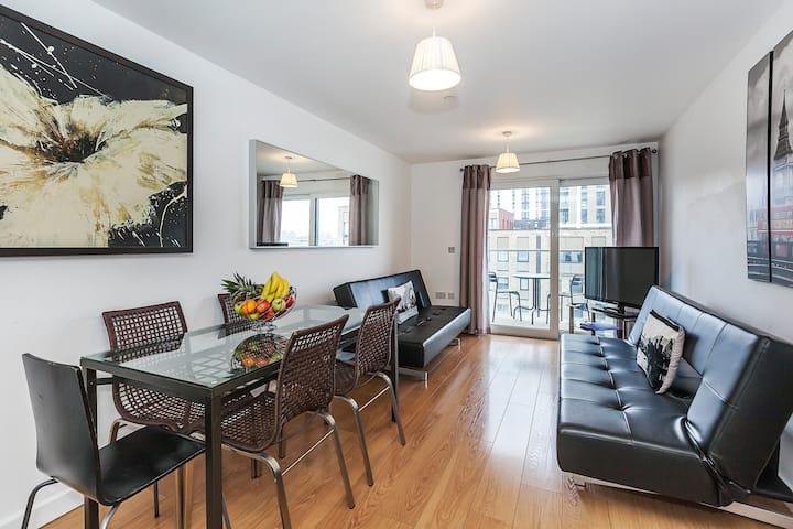 2 Bedroom riverside apartment EXCEL, O2, Ref: 0077