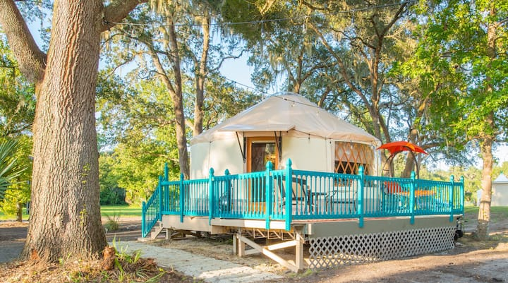"""Yurt at Danville. """"Most romantic stay ever"""""""