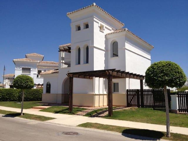 Super Villa Dearsley with Private Pool - Torre-Pacheco