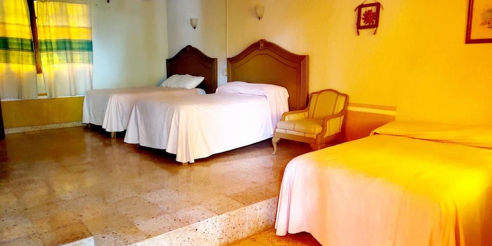 Jungle Hacienda En Suite. 1