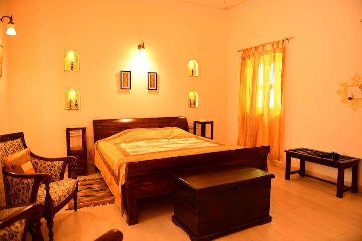 JASWANT NIWAS -A Pvt Room near Umaid Bhawan Palace