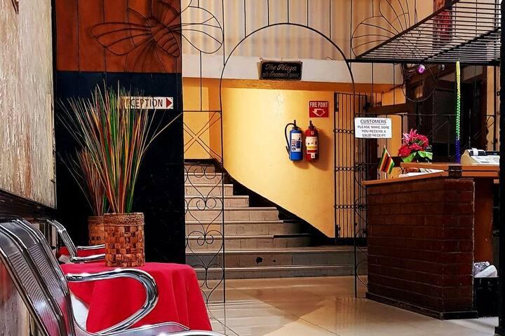 Plaza Hotel - Executive Room (109)