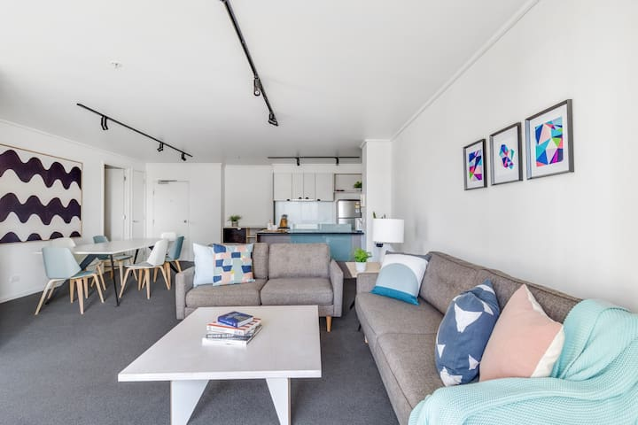 Adele - 2BD/2Bth Melbourne Home with 3 beds.