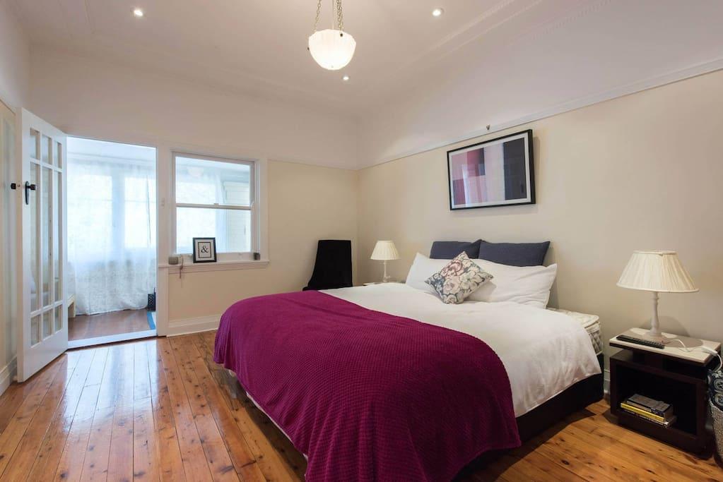 King size bedroom #2
