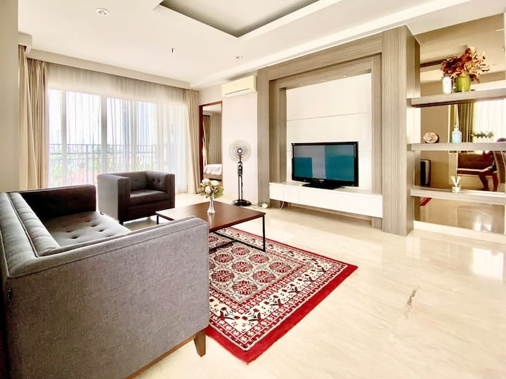 Apt Near Senayan, 3BR w/ Private Lift, Gym & Sauna
