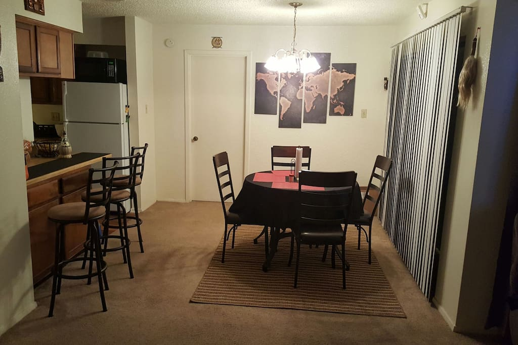 Dinning area/bar