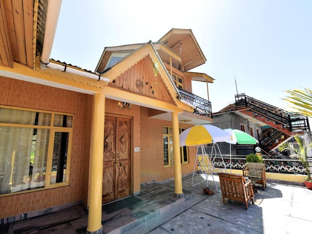 OYO - Hill View 1BR Home Stay, Manali-Discount Alert ⚠