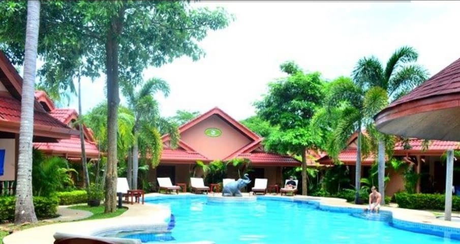 Villa Pool Side - Rawai - Bed & Breakfast