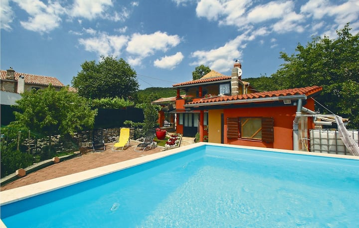 Awesome home in Buzet with Sauna, WiFi and 2 Bedrooms