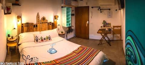 La Pomposa del Teatro, mini lodging in the center!