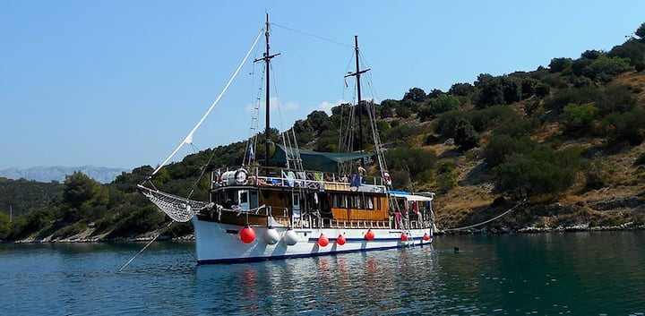 Wooden Ship  Orao