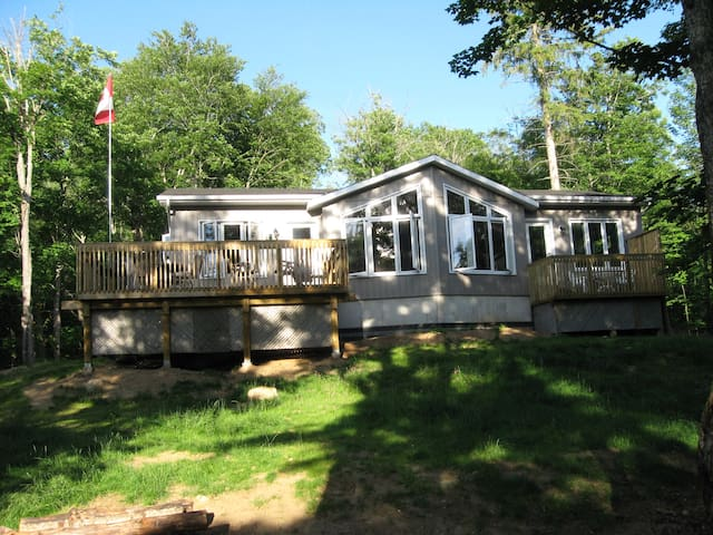 Quiet Place to Connect with Family/ Friends - Kearney - Cabin