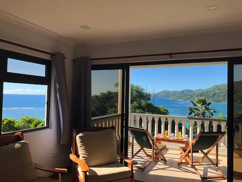"Island Cove Self Catering ""Frer Torti""(sea view)"