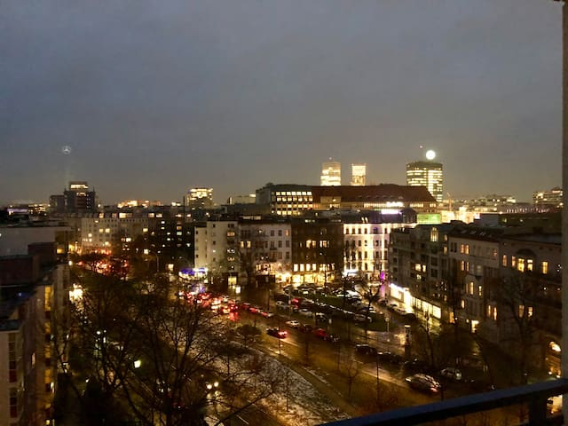 * Modernes Zimmer im Herzen Von Berlin Am KaDeWe *
