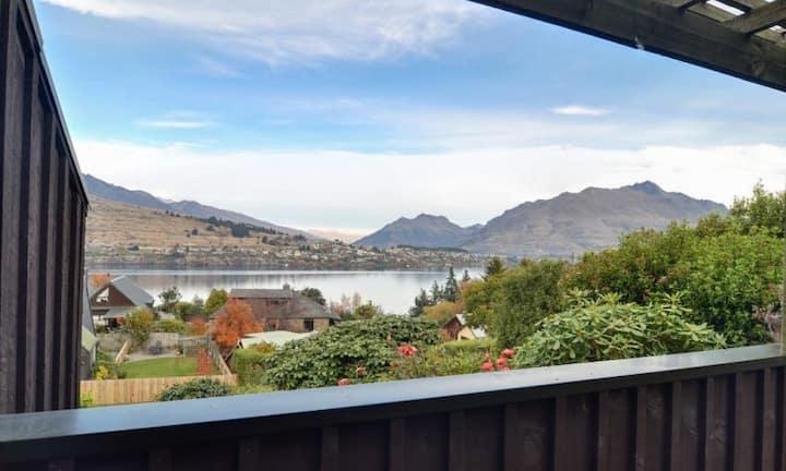 Lake Views with Private Balcony   WIFI   Sleeps 8