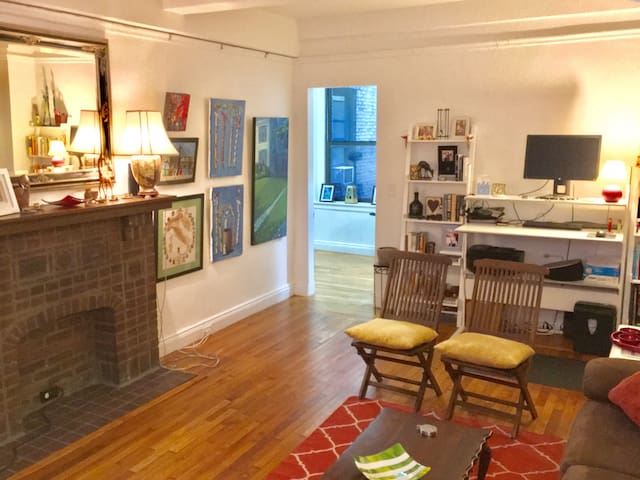 Luxury oversized apt near Central Park & Times Sq