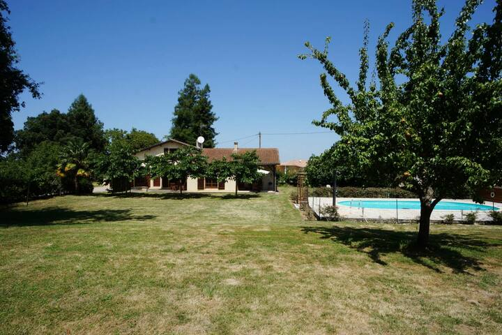 comfortable villa in the south-west of France - Bascous - Cabin