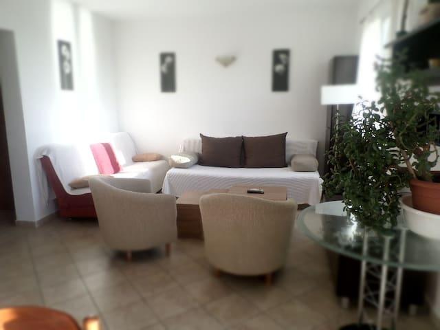 Apartment for4 seaview balcony FREE airport trnsf!