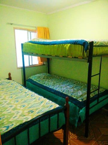 Habitación compartida para 3 personas - Rancagua - Oda + Kahvaltı