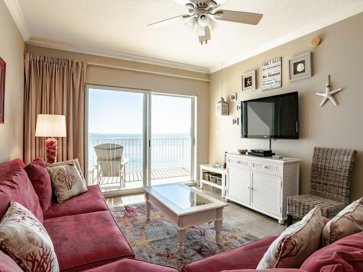 Beachfront Condo in Gulf Shores. Furnished Private Balcony