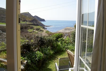 Sea views, 2 mins from beach & pub. - Crackington Haven