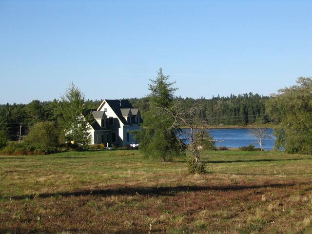 Downeast Maine Coastal Retreat - Pembroke - Casa