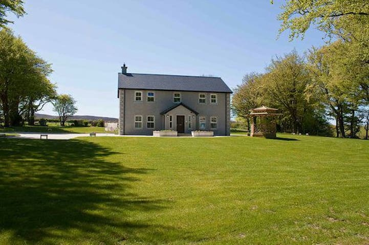 Beautiful panoramic view at Groarty - Londonderry, Northern Ireland, GB - Bed & Breakfast