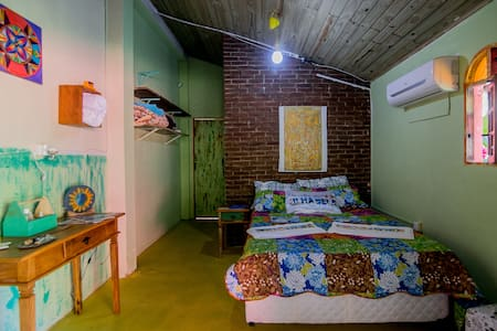 Private bedroom with bathroom  close to the beach - Ilha Bela - Huis