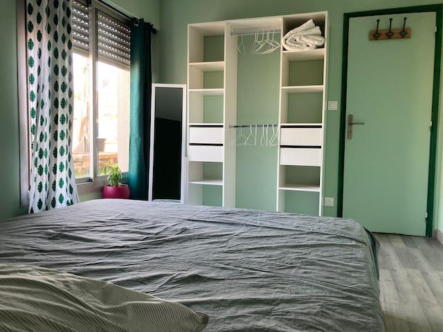 Chambre privée dans appartement avec terrasse