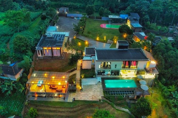 Villa The Maja Luxurious and Impressive