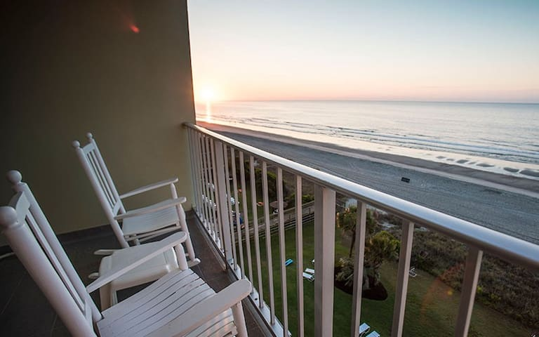 Enjoy May 18-25 in this Beachfront Condo