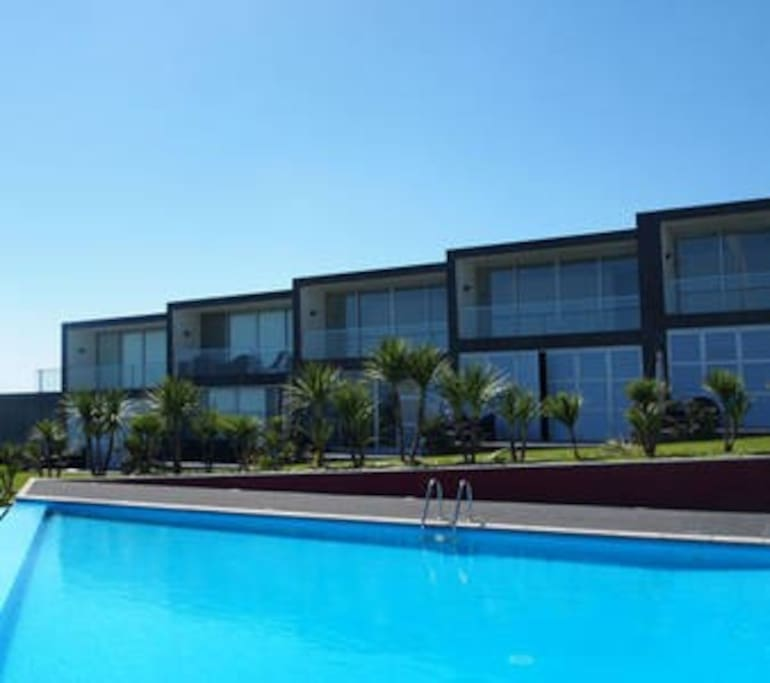 villa franca do campo christian singles A small paradise that is off the shore of a larger one - the island of são miguel -  the islet of vila franca do campo provides an exciting day for anyone who visit it.