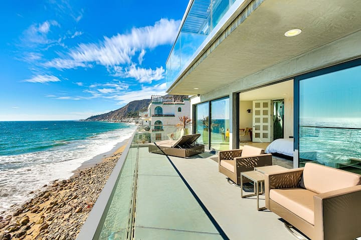 Above the Waves | Malibu Oceanfront Luxury Villa