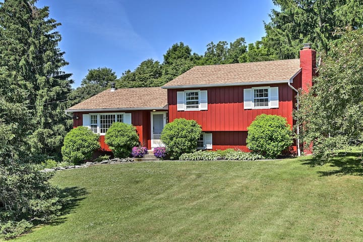 Dutchess County Guest House on Working Horse Farm!