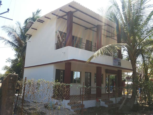 H 3 INN  Harsh Holiday Home chondhi - Bamansure