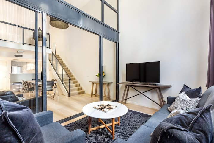 Darlinghurst 1 BDR Apartment with Parking (310GOU)