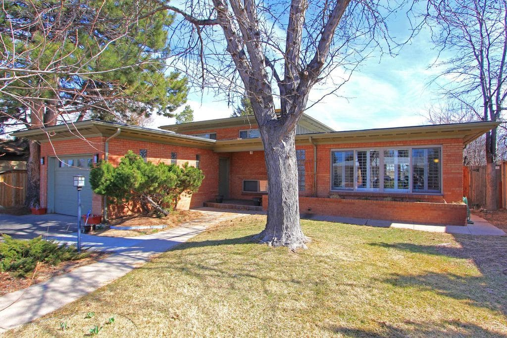 Beautiful, 4 bedroom, 3 bath located in a desirable Hilltop Denver location. Parking for 2 cars in the drive-way & 1 in the garage, available. On street & near-by business parking options.