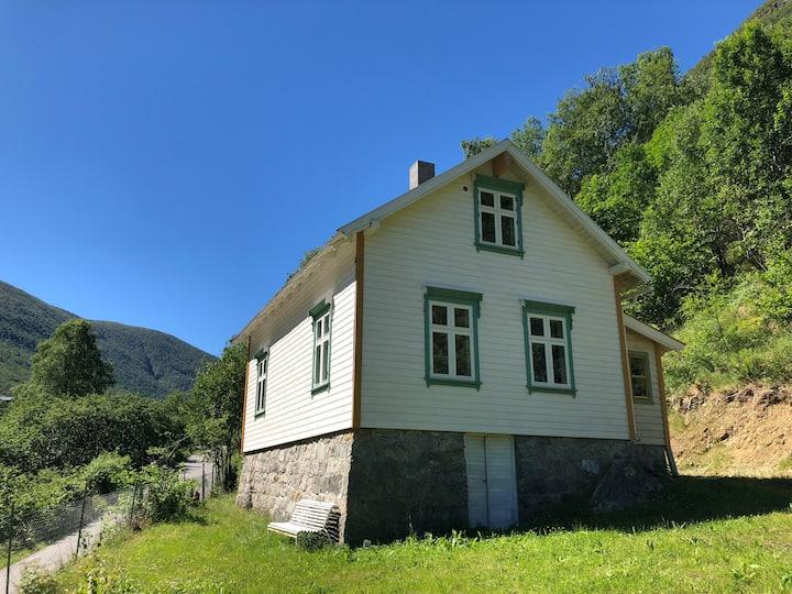 Erdal Skulehus - The old school house (Lærdal)