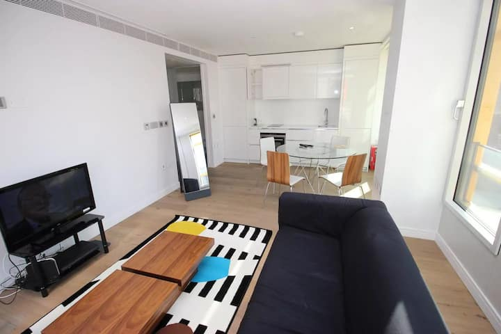 Clean, Safe & Peaceful West End Luxury 1 bed Apt