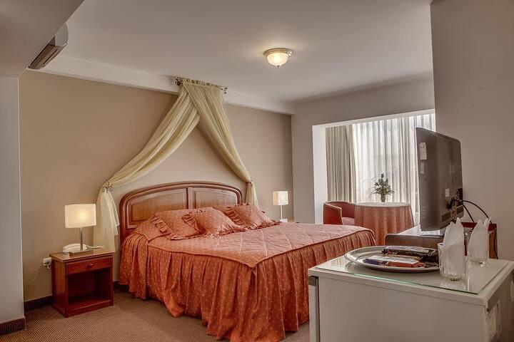 Alojamiento céntrico, Hotel El Mesón