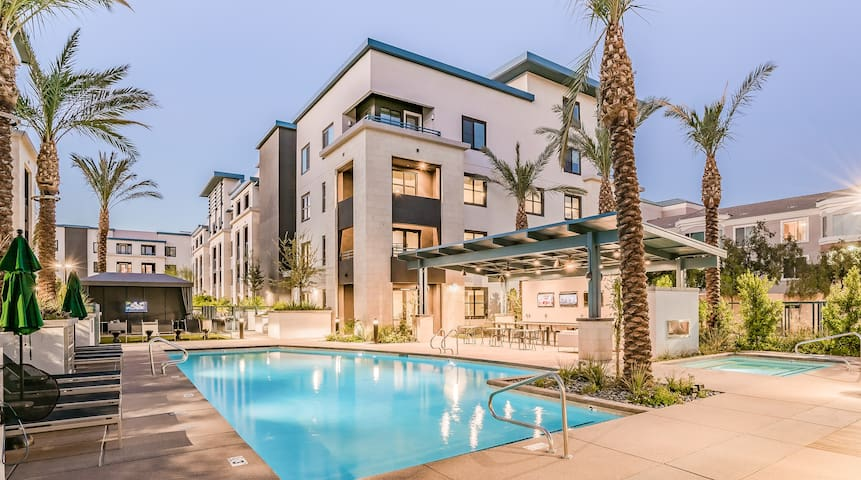 Luxury 1BR in Tempe #1044 by WanderJaunt