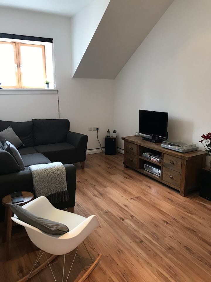 Top Floor Apartment - City Centre Dundee