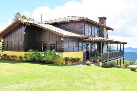 Hospedaje - Cabaña completa en Jardín de Dota