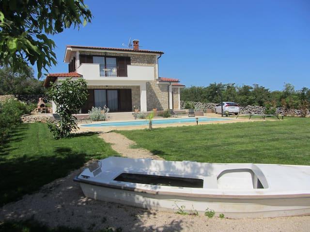 Villa Calypso pour 8, piscine, calme, vue, spa - Vrh - วิลล่า