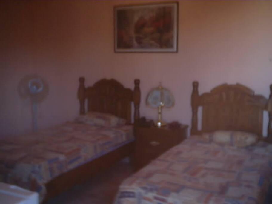 cuarto camas gemelas