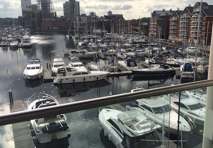 Quayside apartment overlooking Ipswich Marina - Appartamento
