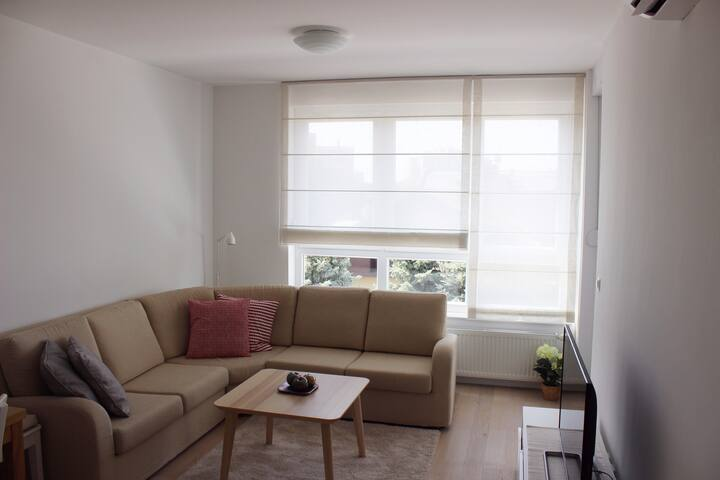 NEW apartment/4****/ Wi-Fi/ Garage parking/Loggia